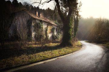 Abgelaufenes Haus von Karel Ton