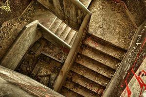 Downstairs van