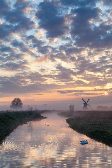 Mistige ochtend bij de Noordermolen van Ron Buist