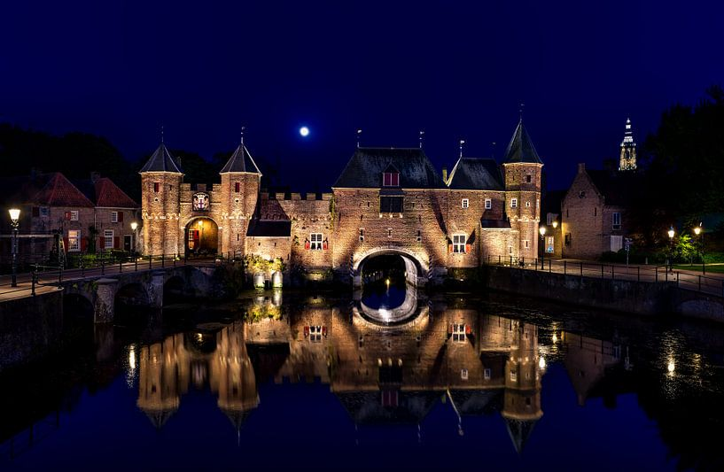 Koppelpoort by night van Erwin van den Berg
