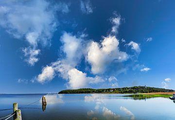 Lagune in Lietzow, Great Jasmund Bodden, Rügen van GH Foto & Artdesign