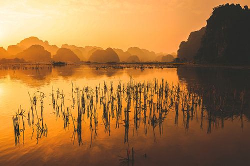 Sunset in Trang An von Joris Pannemans - Loris Photography