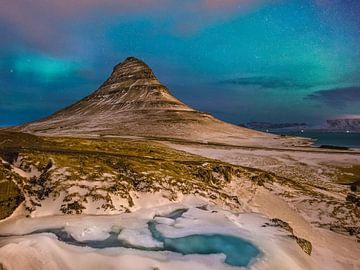 nuit à Kirkjufell, Grundarfjörður, péninsule de Snaefellsnes, Islande * nuit à la montagne de Kirkju sur Denis Feiner