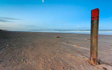 Maanlicht op strandpaal 83:250  van