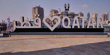 Porto Arabia in The pearl Doha, Katar Tageslichtaufnahme mit Love QATAR Zeichen von Mohamed Abdelrazek