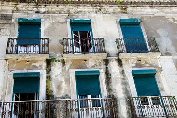 Die Fensterläden von Lissabon von