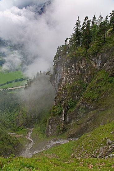 Tussen de wolken in de Alpen