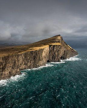 Trælanípa in de Faeröer Eilanden van Nick de Jonge - Skeyes