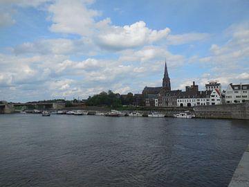Maastricht vanaf de brug von Joke te Grotenhuis
