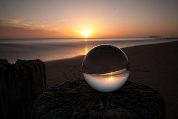 Zonsondergang aan zee van Charelle Roeda