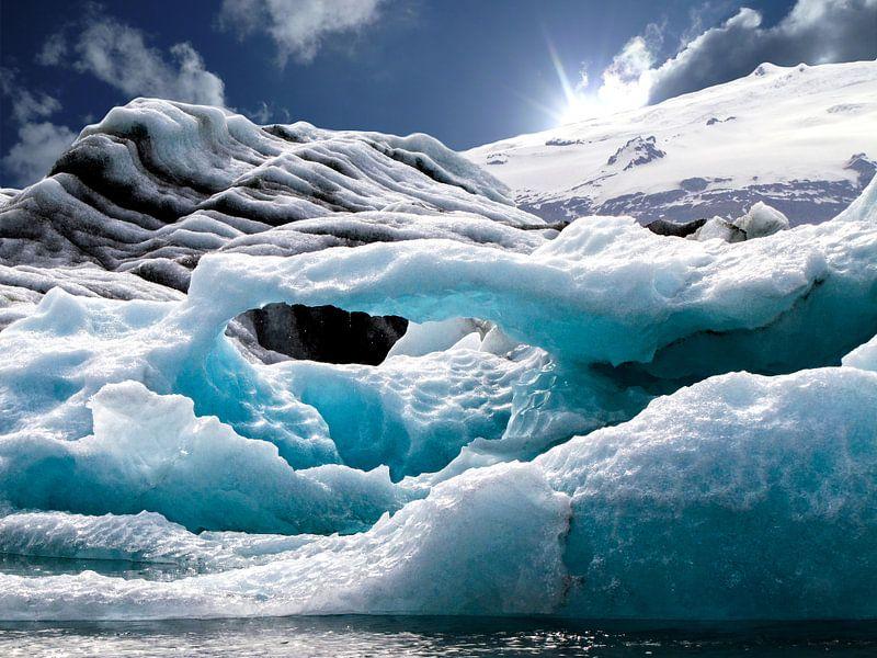 Gletsjermeer Jökulsárlón, IJsland van Rietje Bulthuis
