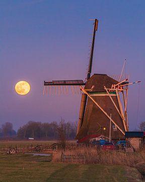 Volle maan bij molen Koningslaagste