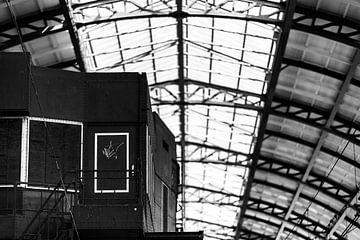 Detail der Plattform und der Decke von Amsterdam Central Station von Bart Rondeel