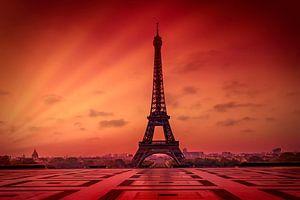 Eiffeltoren bij zonsopgang