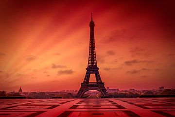 Eiffelturm im Sonnenaufgang sur Melanie Viola