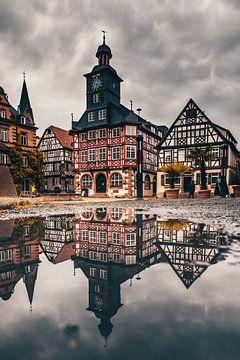 Heppenheim in Duitsland. De prachtige marktplaats met zijn vakwerkhuizen en het grote stadhuis is al van Jan Wehnert