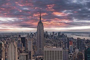 Manhattan Abendhimmel van Joachim G. Pinkawa