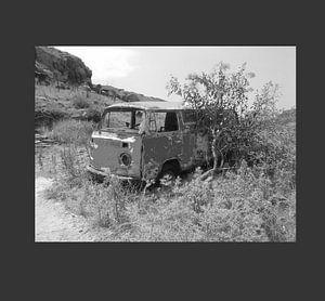Volkswagenbusje zwartwit van Nico den Hartog