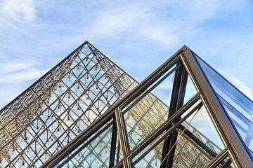 Louvre piramides van Dennis van de Water