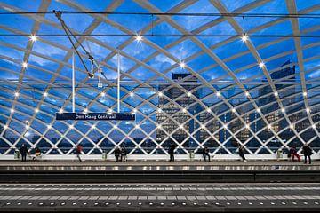 Metrostation Den Haag Central von Raoul Suermondt
