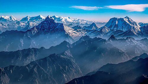 Ochtendlicht boven de Himalaya tussen Tibet en Nepal