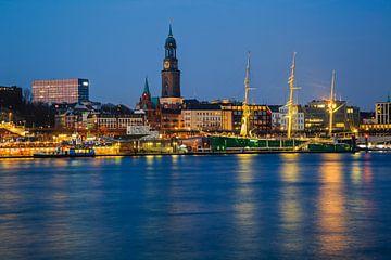 Hamburg St.Pauli zur Blauen Stunde van