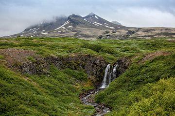 Waterfall in Sveitarfelagid Hornafjordur von Ab Wubben
