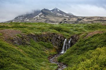 Waterval in Sveitarfelagid Hornafjordur van Ab Wubben
