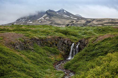 Waterfall in Sveitarfelagid Hornafjordur von