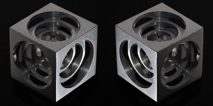 3D Hollow Metal Cube van Bob de Bruin