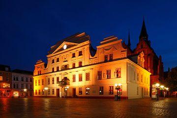 Klassizistisches Güstrower Rathaus, Marktplatz, Güstrow, Mecklenburg-Vorpommern, Deutschland, Europa