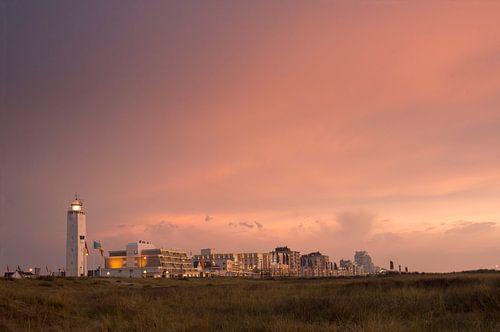 Boulevard Noordwijk met avondrood van