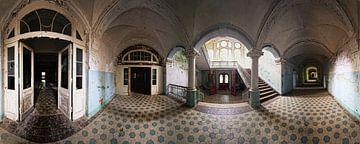 Ancien couloir dans un bâtiment abandonné sur Frank Herrmann
