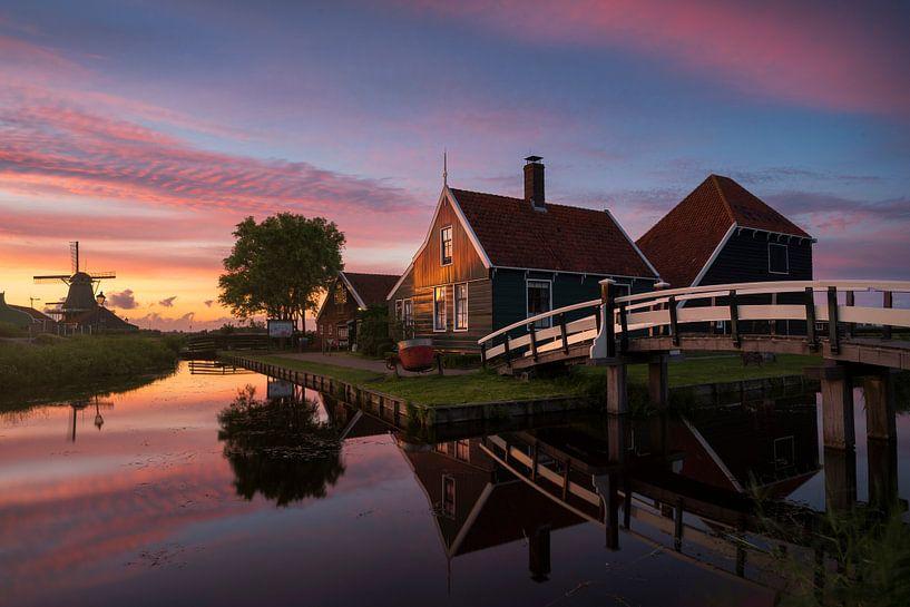Zaanse Schans - zonsondergang van Vincent Fennis