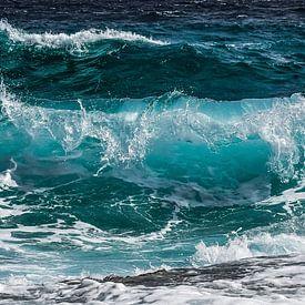 Vague d'azur dans la mer sur Roger VDB