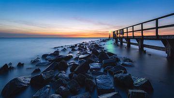 Sonnenaufgang Hafeneinfahrt Edam von Arnoud van de Weerd