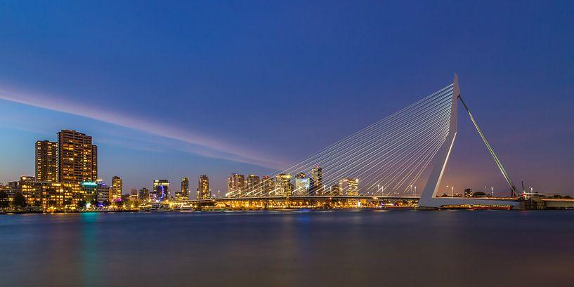 Erasmusbrug in Rotterdam in de avond - 1 van Tux Photography