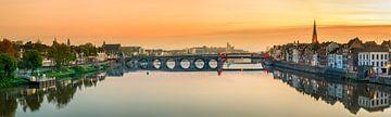 St.Servaos Brögk - Sint Servaasbrug - Maastricht  bij zonsopgang I van Teun Ruijters