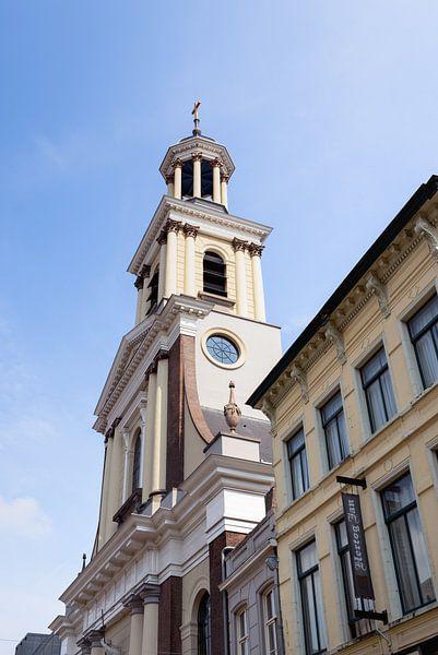 Toren Heilige Antoniuskathedraal te Breda van Ruud Morijn