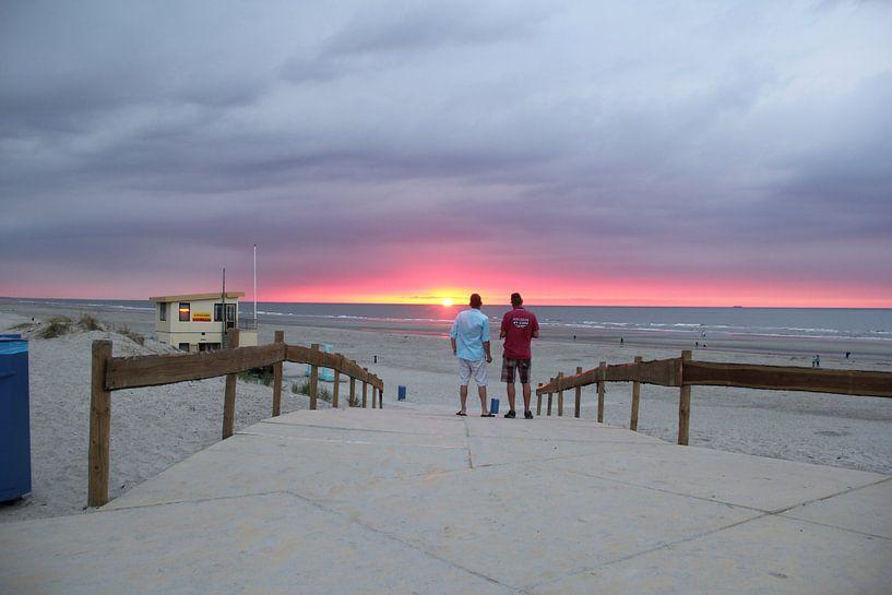 Sonnenuntergang am Strand von Sander de Jong