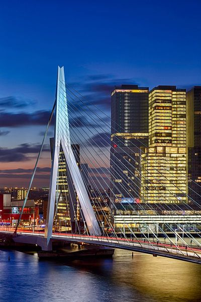 Rotterdam Erasmusbrücke im Morgengrauen sur Rob van der Teen