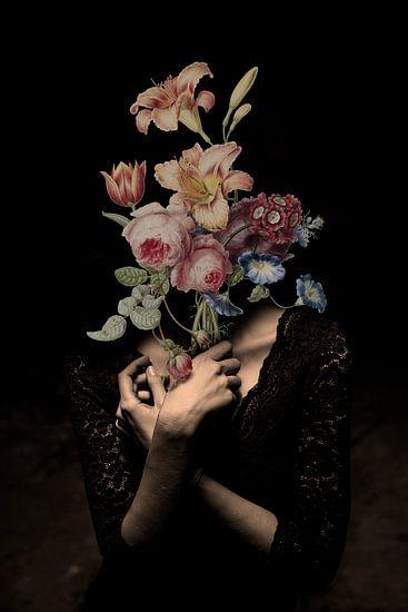 Zelfportret met bloemen 13 (incognito)