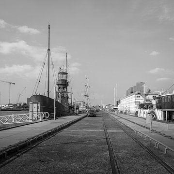 NDSM-pier sur Hugo Lingeman