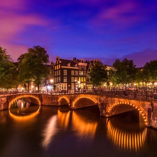 AMSTERDAM ' s avonds idylle van de Keizersgracht en de Leliegracht van Melanie Viola