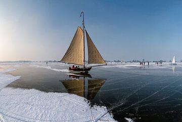 IJszeilen op de Gouwzee, Monnickendam,  Noord-Holland, van