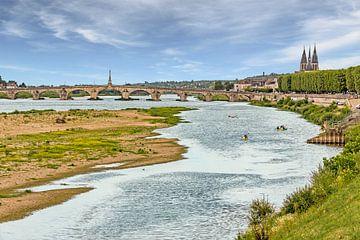 Kajakkers op de Loire in Blois van Koen Henderickx