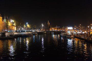 Amsterdam In De Nacht van Brian Morgan