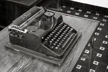 Schreibmaschine Die Gesellschaft von Stefania van Lieshout