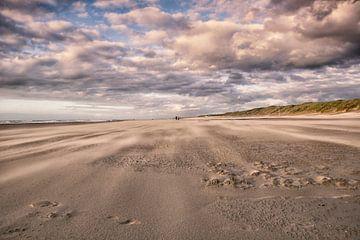 Strand van Bredene aan zee. van Focco van Eek
