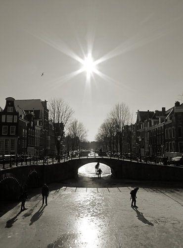 Schaatsen op de Amsterdamse grachten.